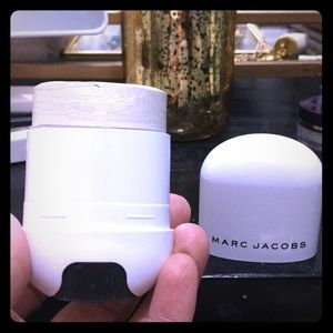 Marc Jacobs spotlight glowstick